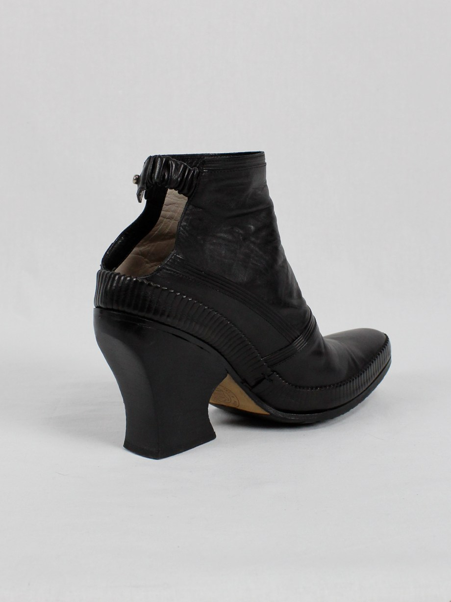 Lieve Van Gorp black cowboy ankle boots with curved heel (38/39) — 1990's