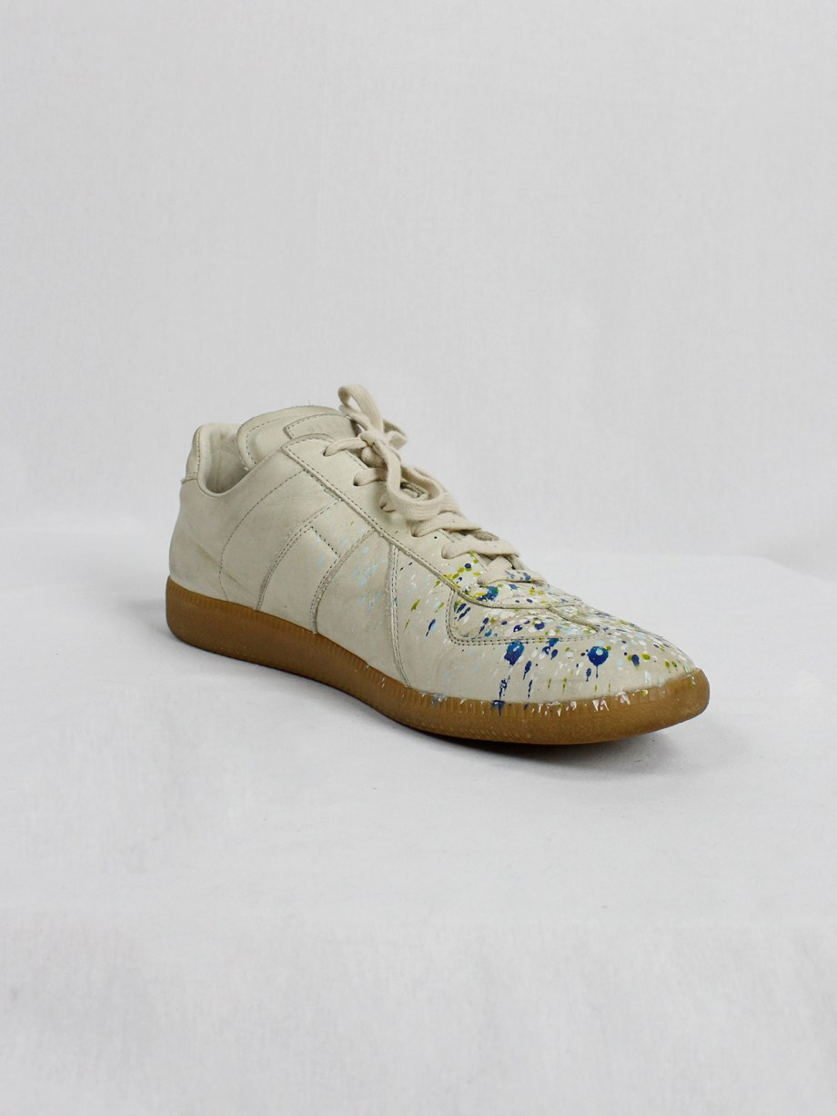 vintage Maison Martin Margiela replica beige sneakers with paint splatters (26)