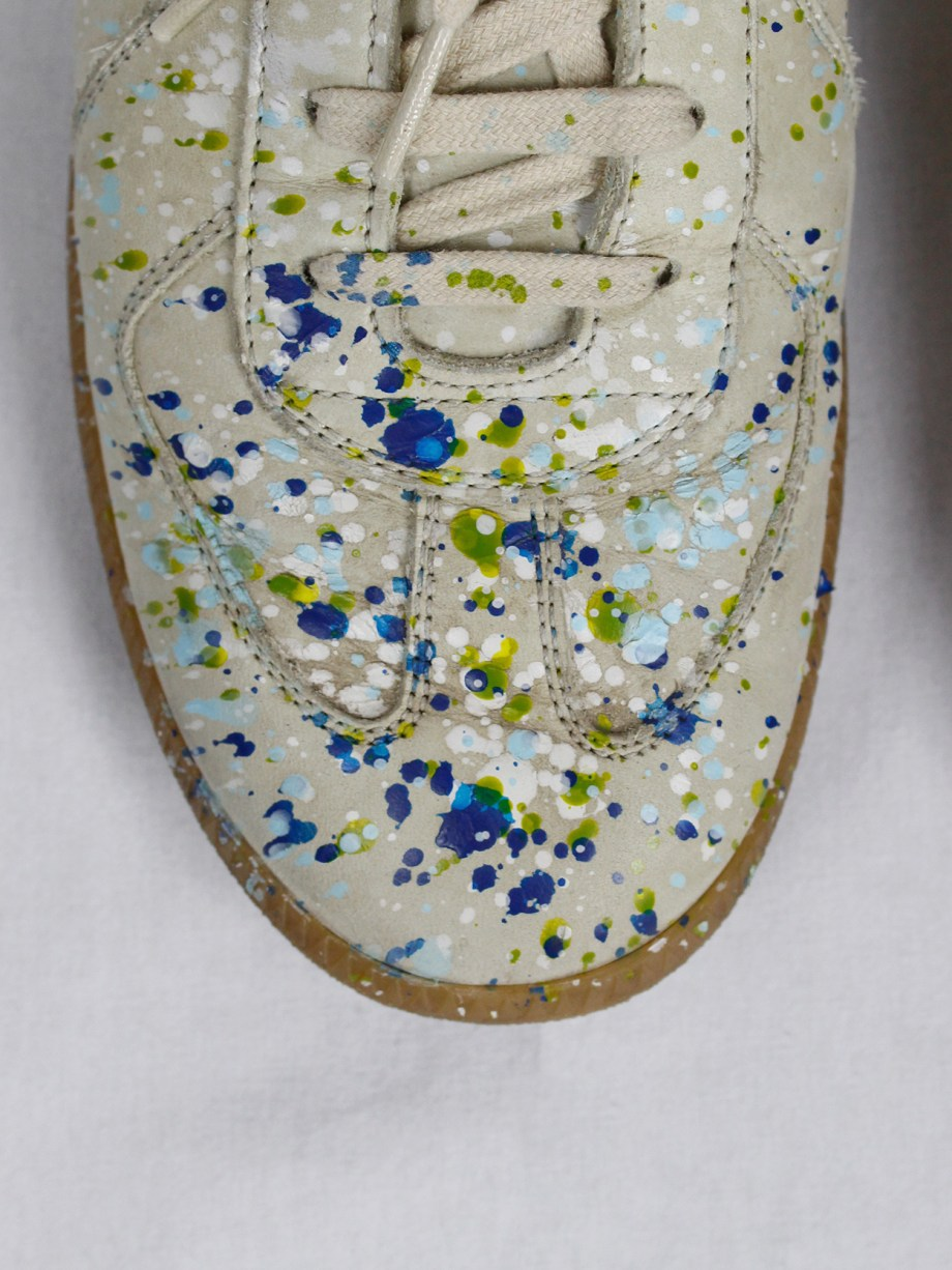 vintage Maison Martin Margiela replica beige sneakers with paint splatters (9)