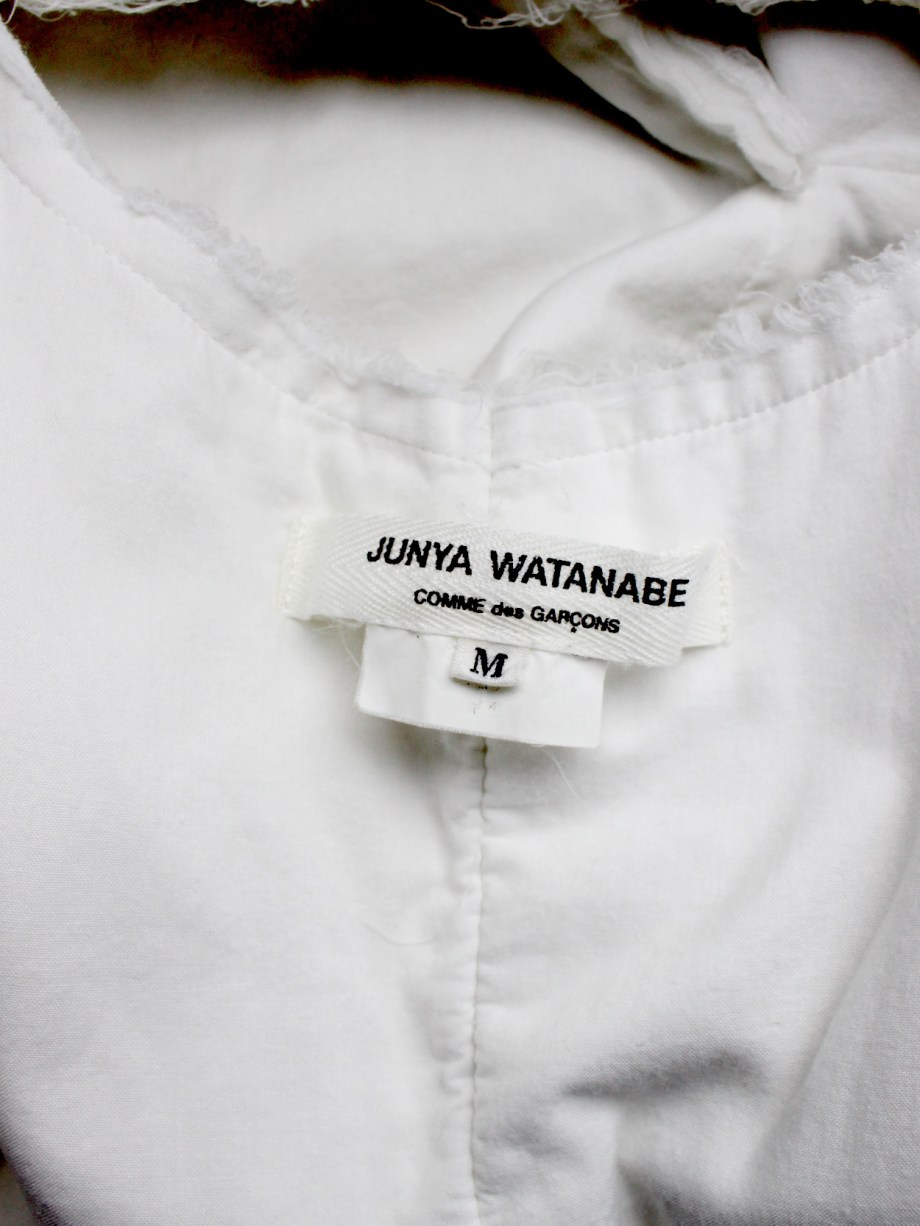 Junya Watanabe white blazer made of 8 blazers layered over each other spring 2005 (12)