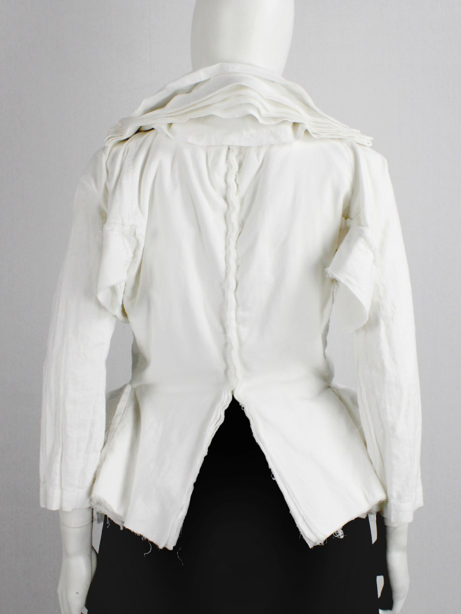 Junya Watanabe white blazer made of 8 blazers layered over each other spring 2005 (4)