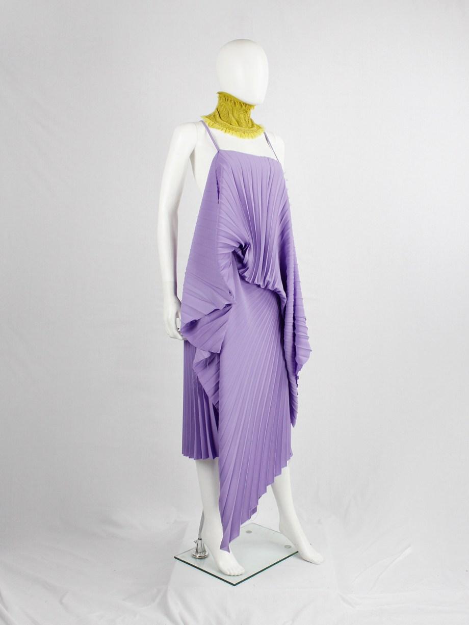 A.F. Vandevorst purple draped backless dress with accordeon pleats — spring 2008
