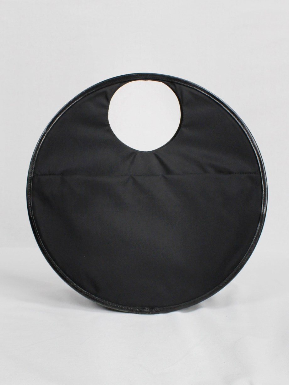 Y'SACCS Pour Tous black circle shaped handbag — 1990's