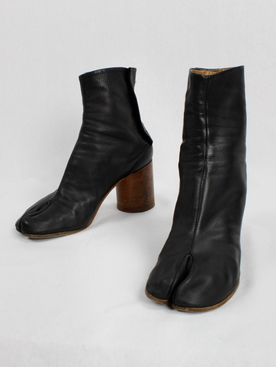 Maison Martin Margiela black tabi boots with wooden heel (40) — spring 2013
