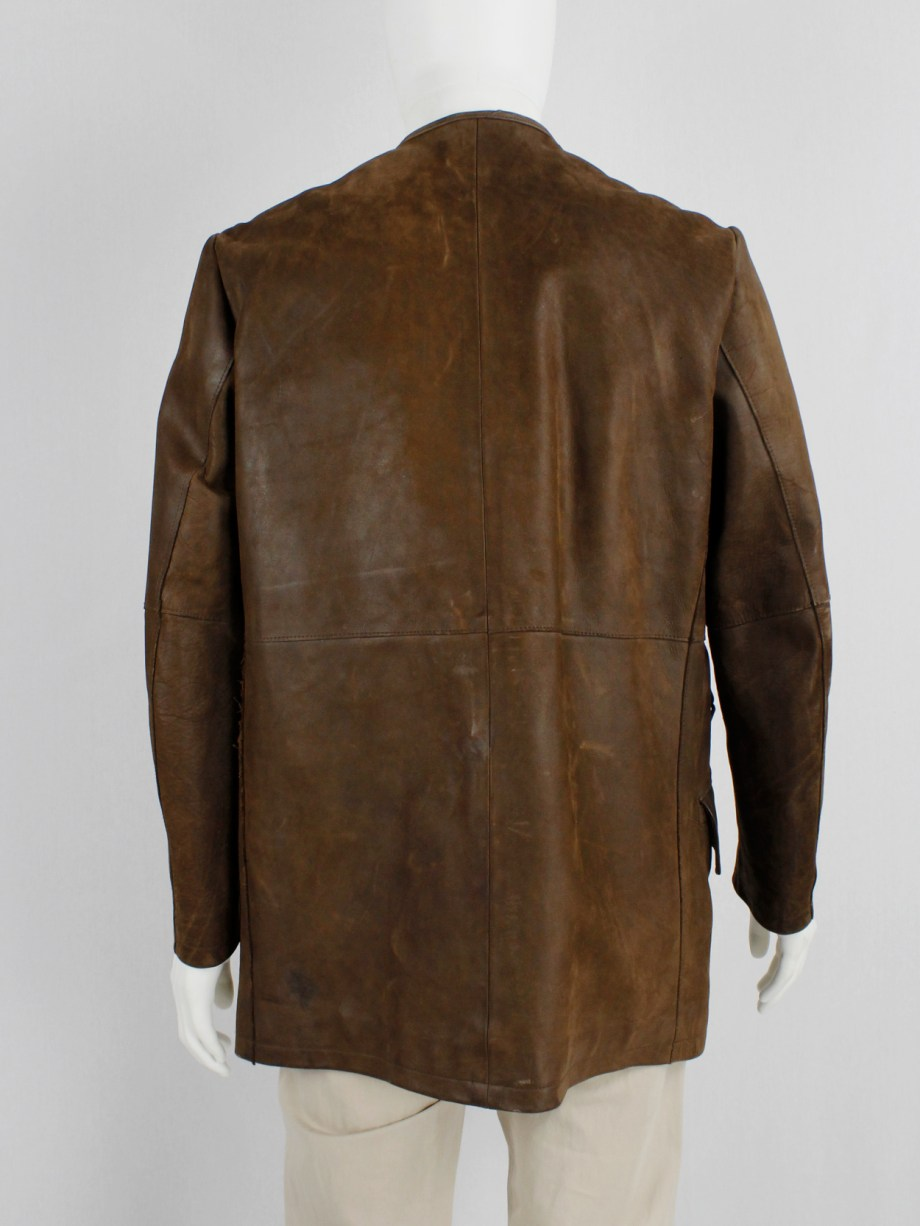 Lieve Van Gorp brown double breasted leather coat in thick leather — 1993/1995