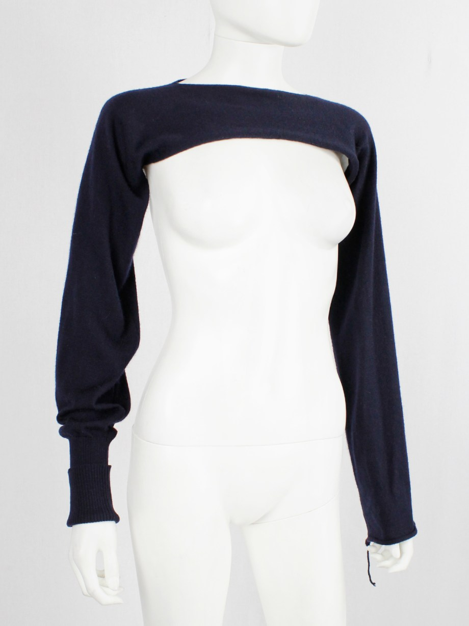 Maison Martin Margiela blue bolero with cuffed sleeve and sleeve with loose thread fall 2004 (3)
