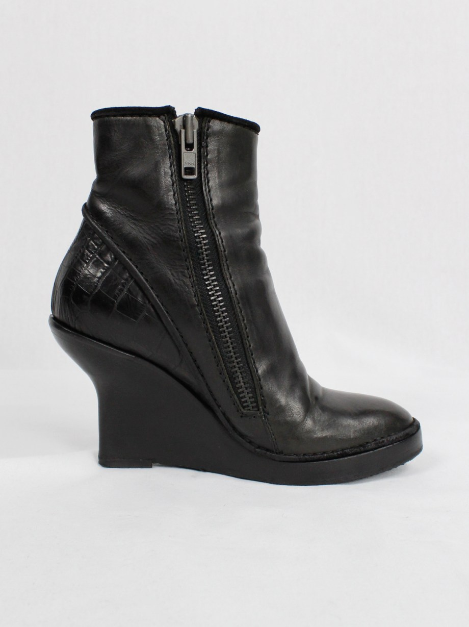Haider Ackermann black ankle boots witch curved wedge heel (37) — fall 2011