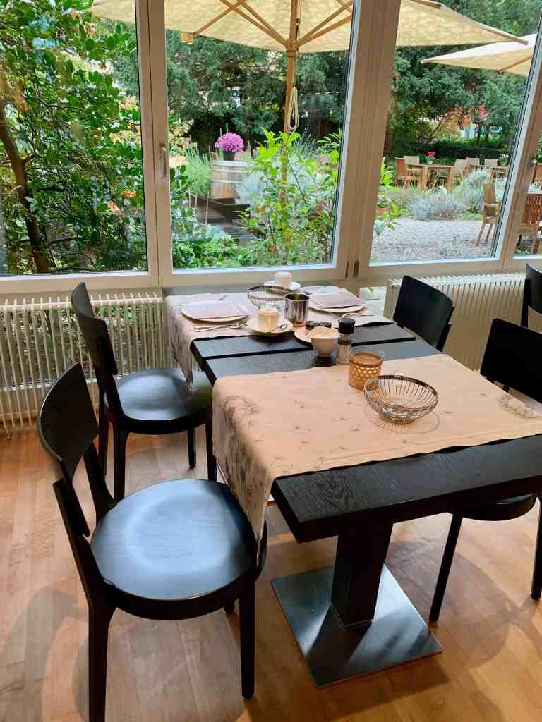 breakfast room at hotel steinenschanze