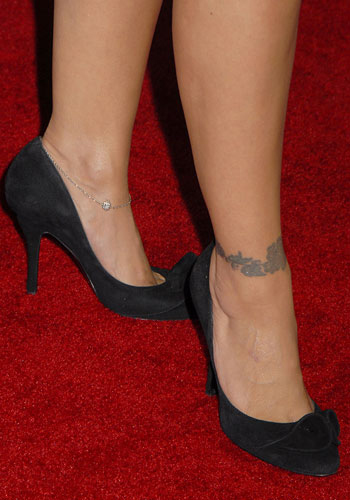 ALYSSA MILANO TATTOOS PICTURES IMAGES PICS PHOTOS OF HER TATTOOS