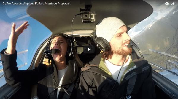 huwelijksaanzoek aanzoek trouwen vliegtuig problemen