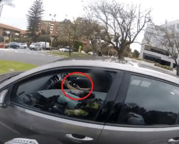 gsm telefoon stuur auto politie
