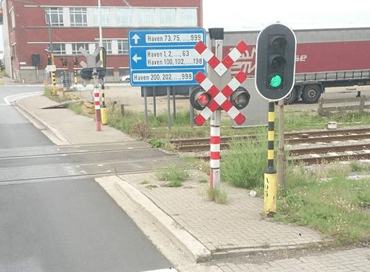 spoorweg overweg rood groen