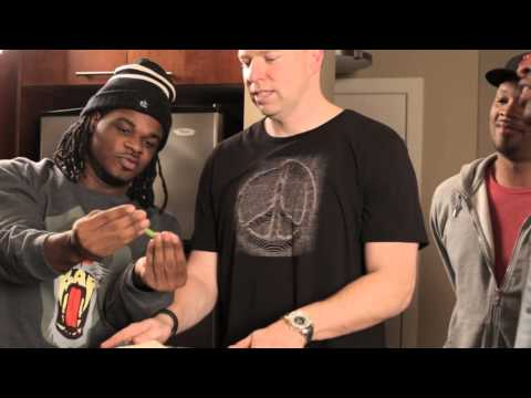 Emmanuel & Phillip Hudson (@EP_Hudson): Thanksgiving Dinner [Feat. @GaryOwenComedy]