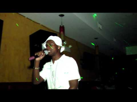 Bizzy Bee (@Mr_Smit_BBP) » Bad Habits [Live Performance]