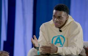 OTHERtone On Beats 1 w/Vince Staples & DeRay McKesson At ComplexCon 2018