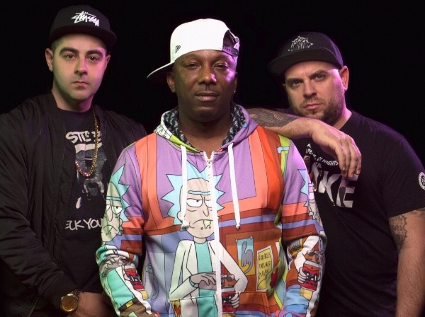 Watch Jamo Gang Perform 'Highway' Live (@RasKass @ElGant @J57)