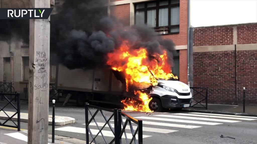 Flipped Cars & Fires: French Students Protest Education Reform w/Molotov Cocktails