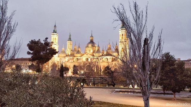Vistas desde el río Ebro de la Basílica del Pilar, Zaragoza