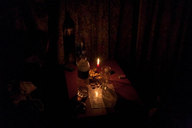 Svíčka v hotelu v Gilgitu