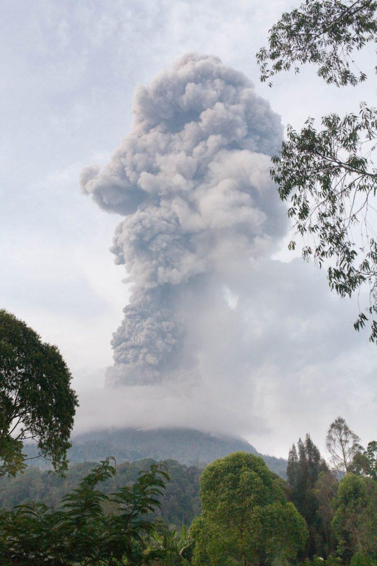 Vybuchující Sinabung