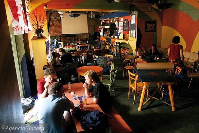 Albo Tak Bar tudiant et new age  Cracovie Vieille ville  Vanupied