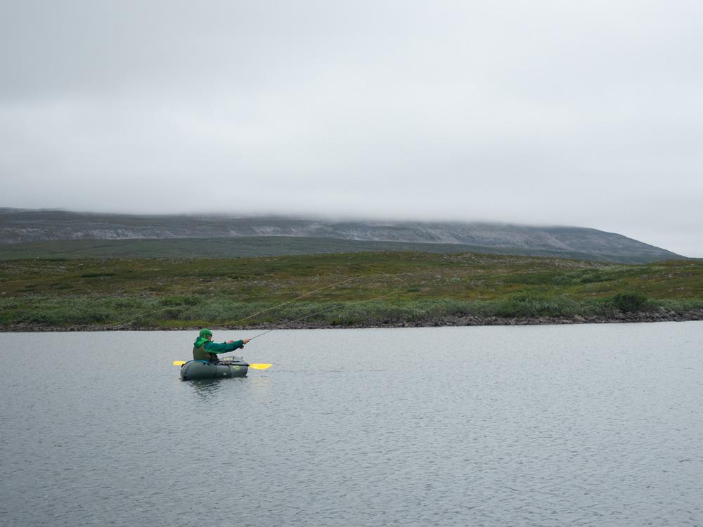 Packraft-kalastusta Lapissa, Finnmarkissa