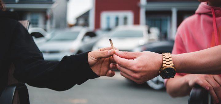 Un estudio sugiere que vapear cannabis puede dañar los pulmones