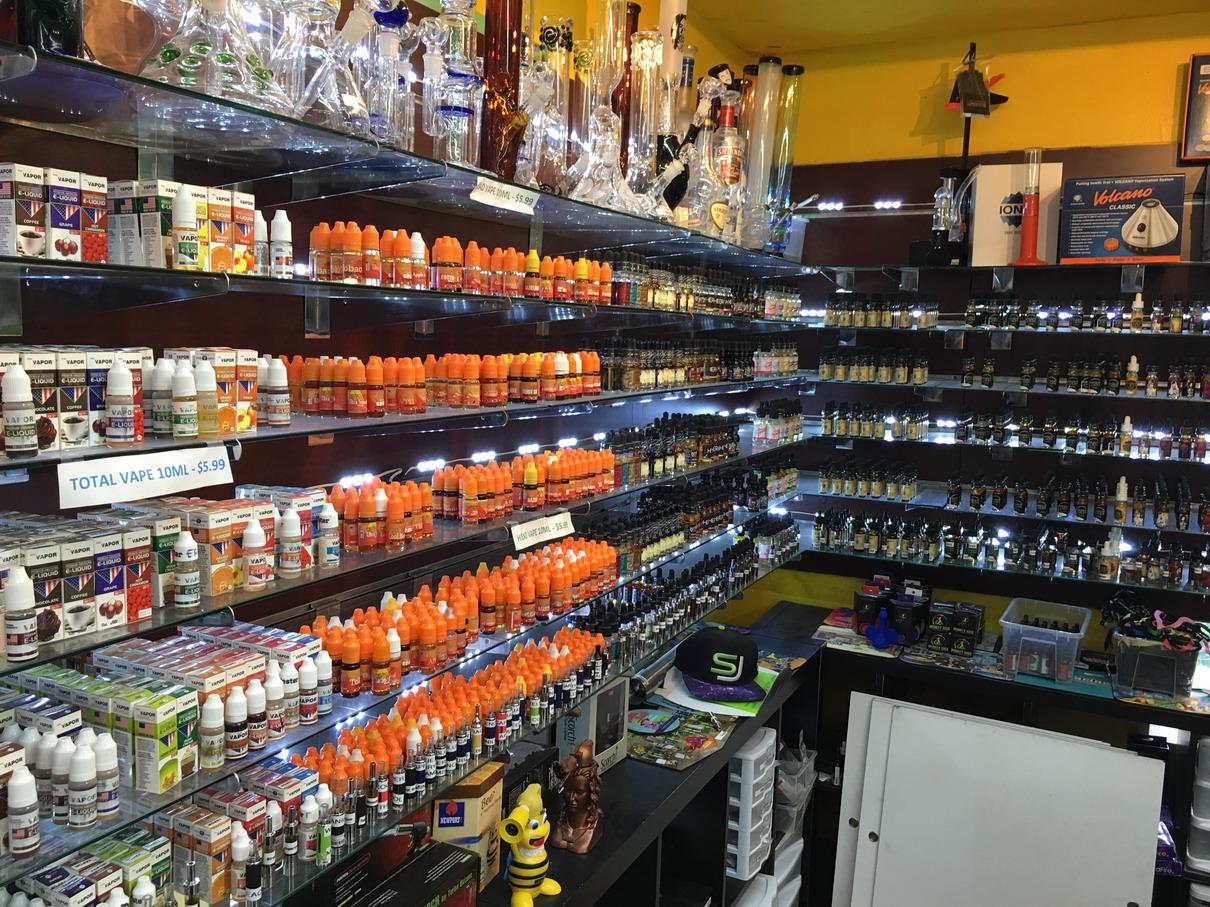 Smoke Shop Near Me Open - NYC