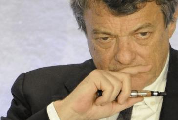 POLITICS: These personalities who smoke or use the e-cigarette.