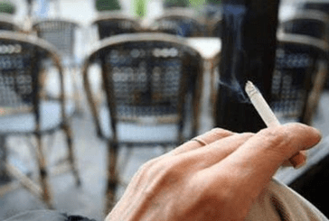 TABAC : Malgré l'interdiction, la cigarette garde sa place sur les terrasses !