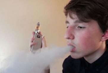 קנדה: E- סיגריות צובר פופולריות בבתי הספר.