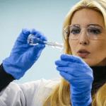 בלתי רגיל: כאשר Ivanka Trump יש כיף למדידת ניקוטין אדי סיגריה אלקטרונית ...