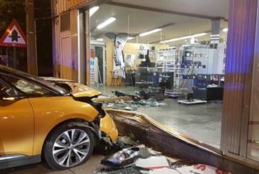 BELGIQUE : Suite à un accident, ils pillent une boutique d'e-cigarette au lieu d'aider la victime.