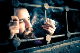 ШОТЛАНД: Электронная сигарета заменяет запрещенный табак в тюрьмах!