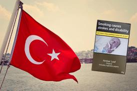 TURQUIE : Le pays adopte une loi sur le paquet neutre des produits du tabac.