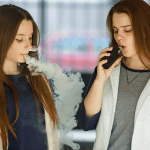 ВЕЛИКОБРИТАНИЯ: Опрос объявляет, что 25% школьников уже использовали электронную сигарету!