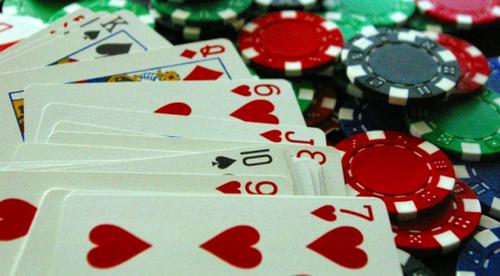 Fordel å spille poker på nett