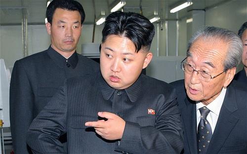 Nord- og Sør Korea skyter på hverandre!