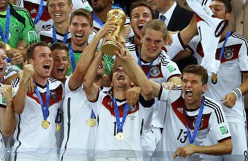VM i Brasil- Tyskland vant finalen etter dommer-skandale!
