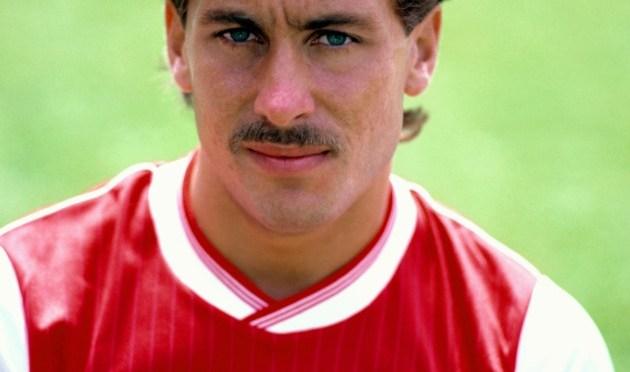 Tidligere spillere for Arsenal og England, vil dø fra alko-helvete