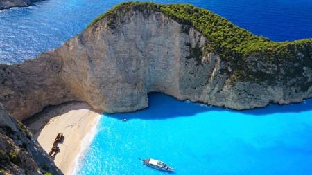 HELLAS: Vakre Zakynthos Island kan by på idylliske strender.