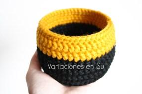 two-tone-crochet-basket