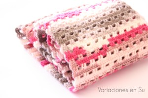 pink-gray-crochet-cowl-2