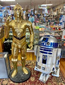 Full scale model of C3PO and R2-D2 from Star Wars
