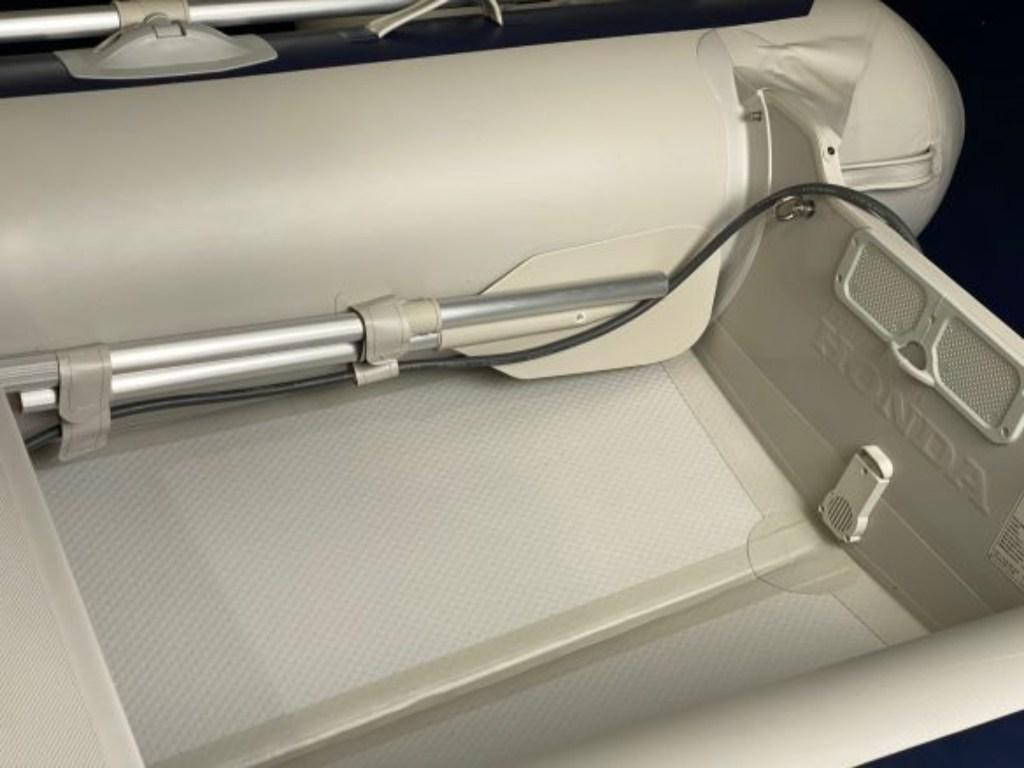 Συμβατικό φουσκωτό Honwave T27 από την Honda marine