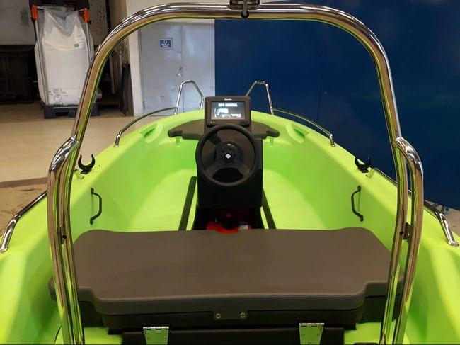 Σκάφος Pioner 12 maxi πολυαιθυλενίου