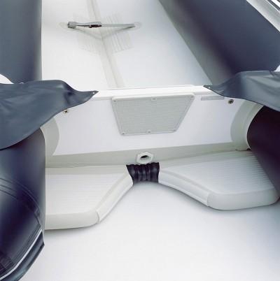 Φουσκωτή βάρκα τέντερ honwave T 27 της Honda marine