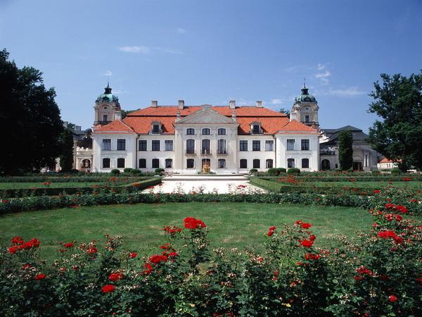 Varsavolo  Turismo Ricettivo in Polonia  GRUPPI  Tour speciali  CITTA DARTE E CASTELLI  7