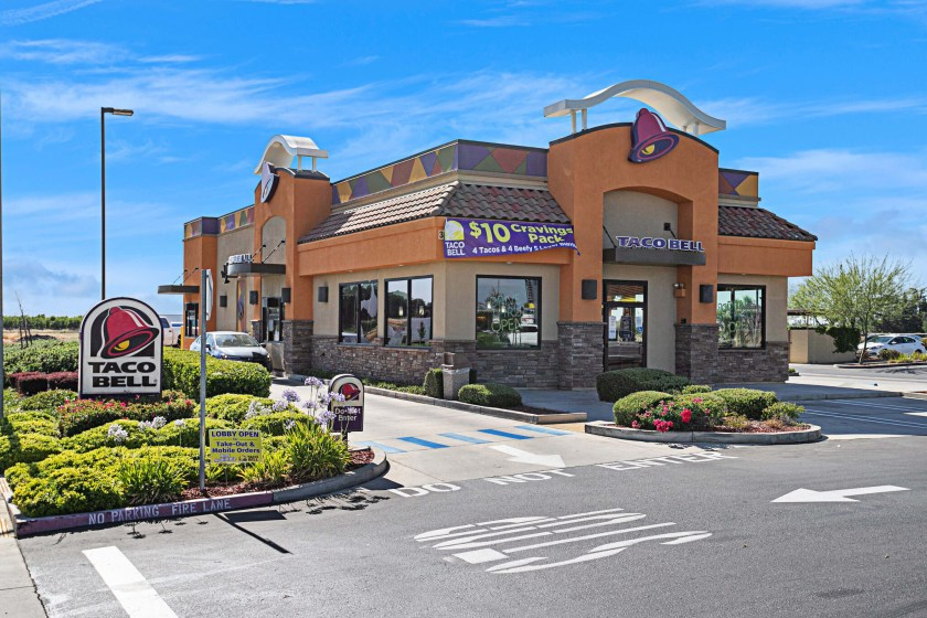 nnn retail for sale california livingston taco bell