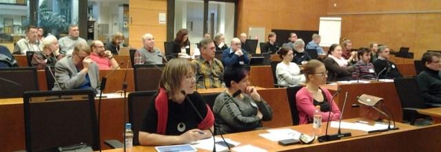 Ylöjärvi-salissa piirikokousti puolen sataa vasemmistoliittolaista. Edustajia oli 18  osastosta.